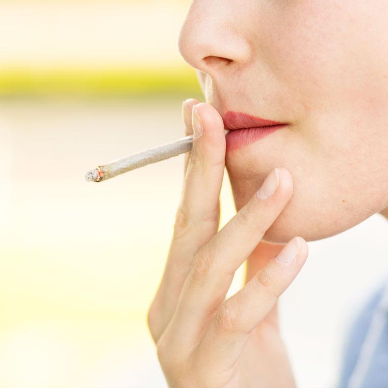 ユアーズデンタルクリニック 喫煙